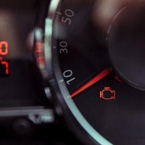 مهمترین دلایل روشن شدن چراغ چک خودرو